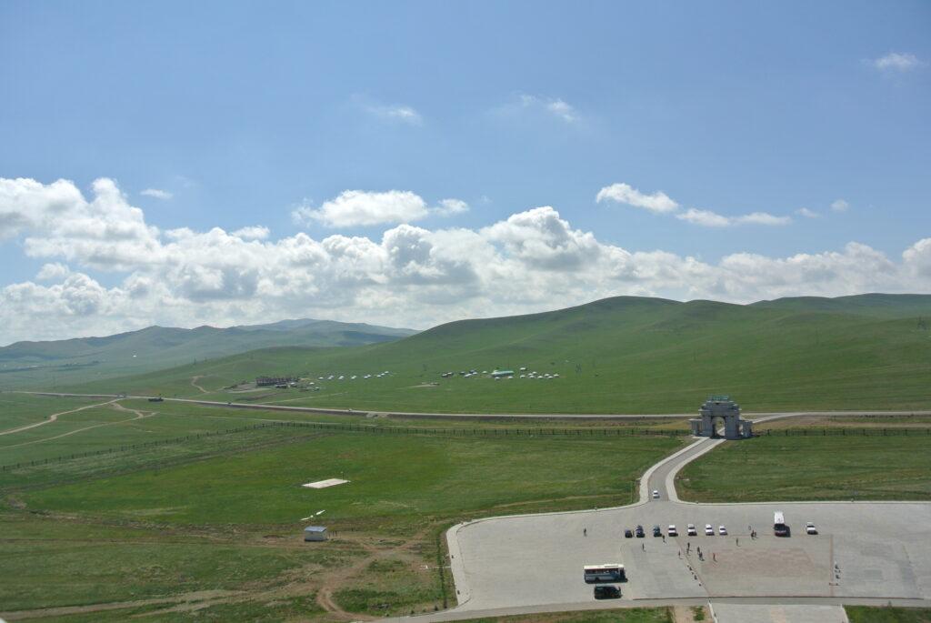 チンギスハーン騎馬像からの景色